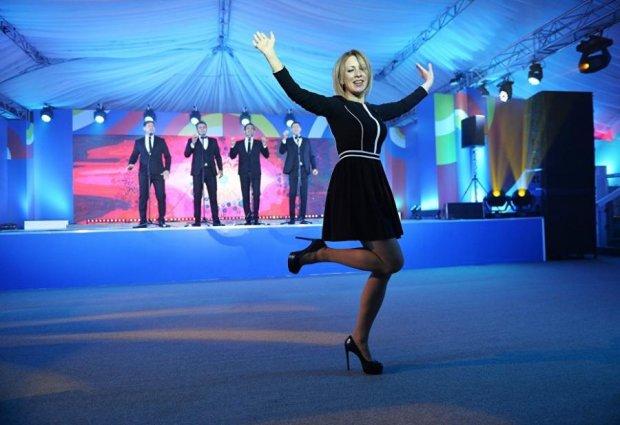 Захарова похвасталась встречей с Бюльбюль и огурцом: фото