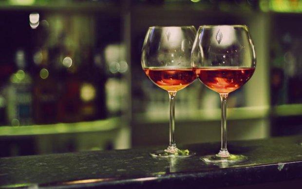 Лайфхак для винолюбів: накачати м'язи простіше простого