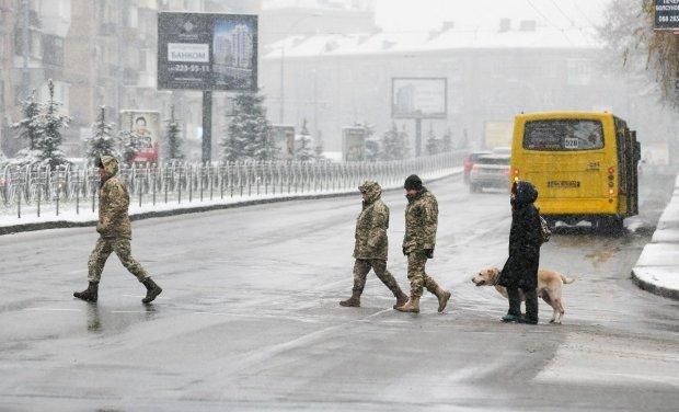 Снегопад, гололедица и проблемы на дорогах: стихия закошмарит украинцев зимними капризами