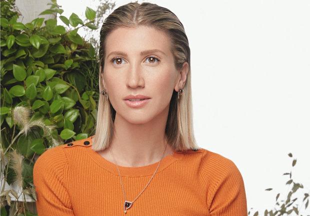 Аніта Луценко похвалилася спортивною мамою: 63 роки, а така красуня