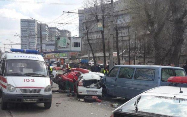 Жуткое ДТП: пешехода разорвало пополам