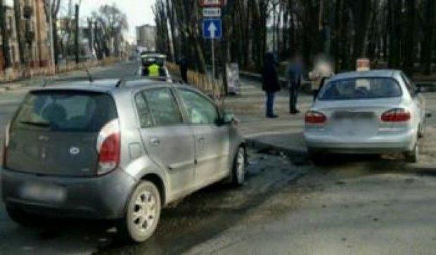 Некерований Lanos покалічив пішохода в Києві