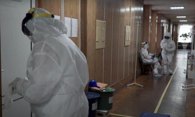 Під Хмельницьким китайський вірус закрив двері двох відділень - куди тепер везуть пацієнтів