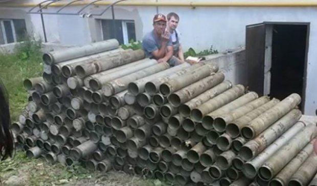 """""""Правый сектор"""" нашел арсенал """"Градов"""" под Киевом"""