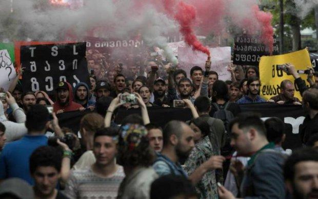 Опиум для народа: борьба с наркотиками переросла в массовый бунт в Тбилиси