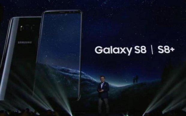 Samsung похвасталась продажами флагмана