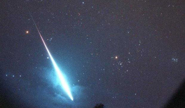 NASA зафиксировало вхождение метеоритов в атмосферу Земли (ВИДЕО).