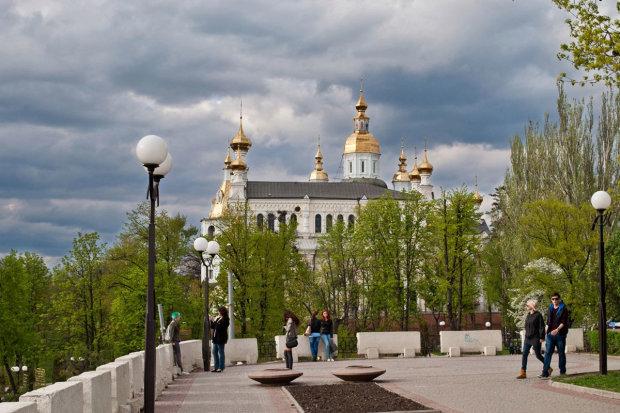 Погода в Харкові на 24 червня: спека здає позиції, діставайте парасольки