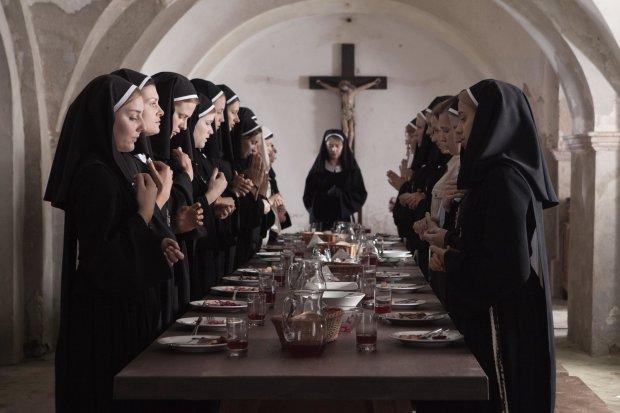 Злобные проделки дьявола: опытная монашка забыла про веру и ушла в кино для взрослых, грешные фото 18+