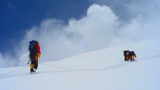 Эверест, скриншот из видео