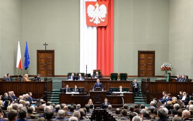 Омерзительный шантаж: Польша набросилась с резкими обвинениями на Украину