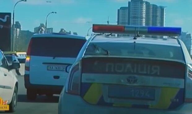 """В Черновцах """"олени"""" за рулём не пропустили скорую и попали на штраф"""