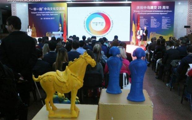 Київ відзначив 25-ту річницю дипвідносин з Китаєм