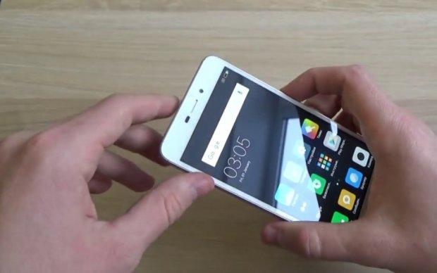 Xiaomi відродить сенсорний телефон-розкладачку