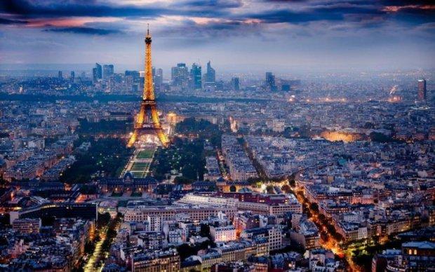 Армянин в Париже въехал в толпу мусульман