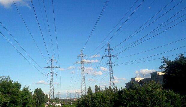 электроэнергия, сети, вышки \\ фото Знай.UA