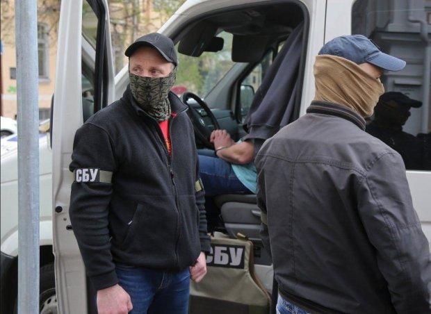 Теракт в арсенале ВСУ: путинские спецслужбы вербовали наших ребят через родителей