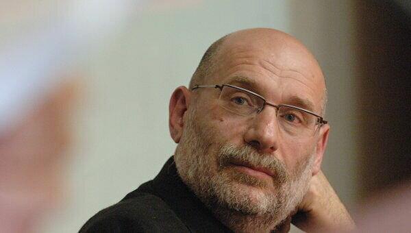 Борис Акунин, фото из свободных источников