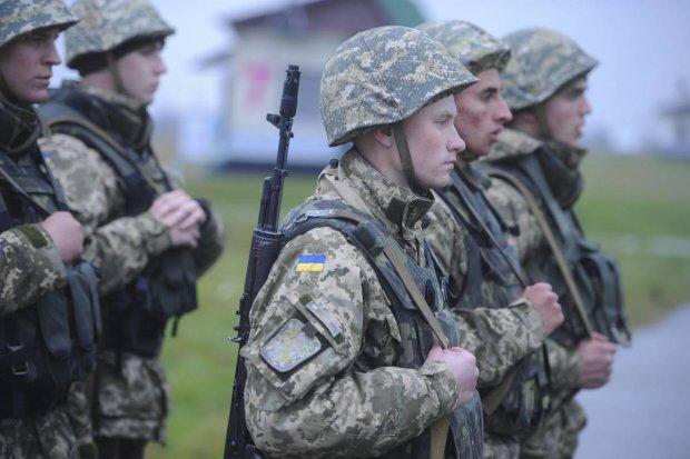 На Донбассе военный подорвал себя вместе с собратьями