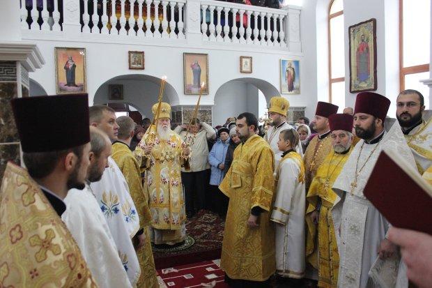 Волынская резня бензопилой: сторонники ПЦУ устроили вакханалию в храме УПЦ, фото