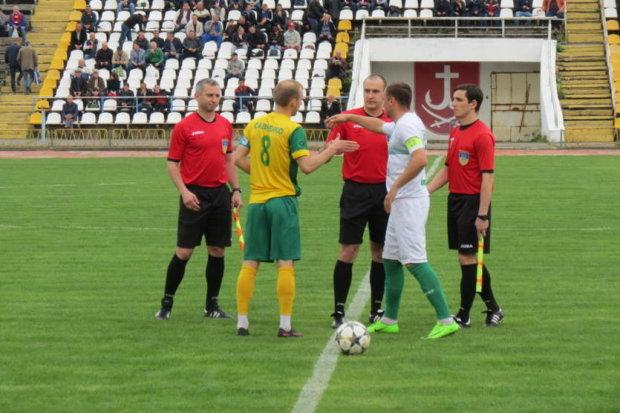 Суддю на мило: вболівальники влаштували жорстке місиво після матчу, відео не слабкодухих