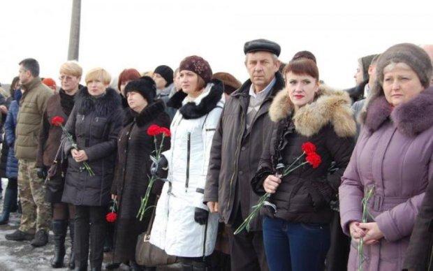 Годовщина трагедии в Волновахе: открытки с оккупированного Донбасса поразили человечностью