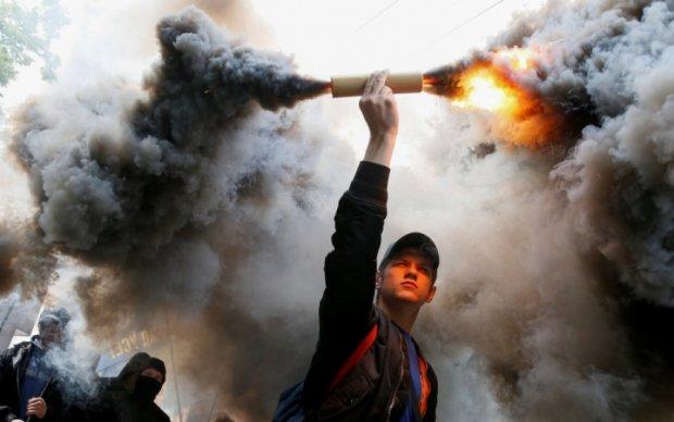 Львовские таксисты объявили войну российскому бизнесу - видео
