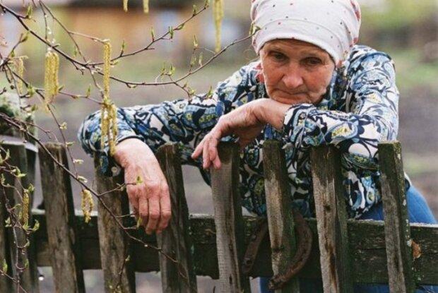 Озброєний до зубів військовий увірвався в будинок пенсіонерів на Вінниччині: честь погонів зганьбив на всю Україну