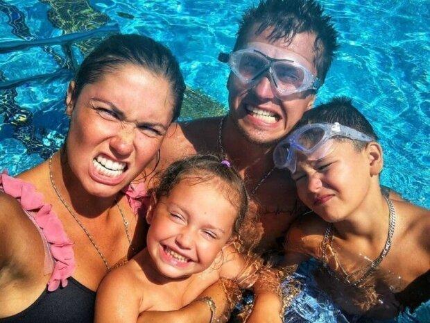 Павло Прилучний з сім'єю, фото з соцмереж