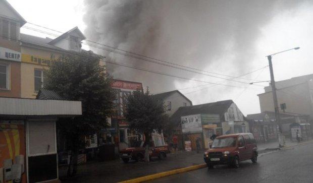 В Каменце-Подольском горел центральный рынок (фото)