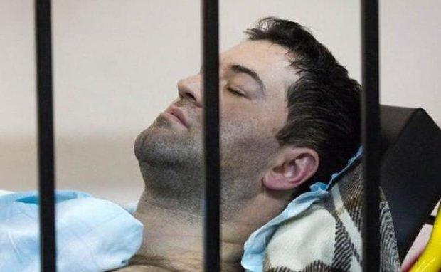 Головне за ніч: покарання Насірова та лялька Путіна