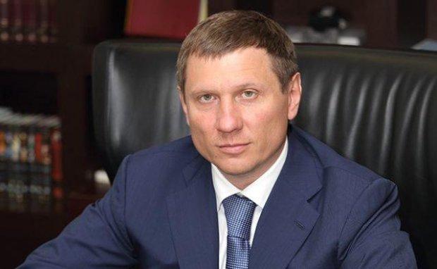 """Шахов показал, как Насалик и Гройсман """"поздравили"""" с Новым Годом: Укрзализныця не продает билетов, людям не дают зарплат"""