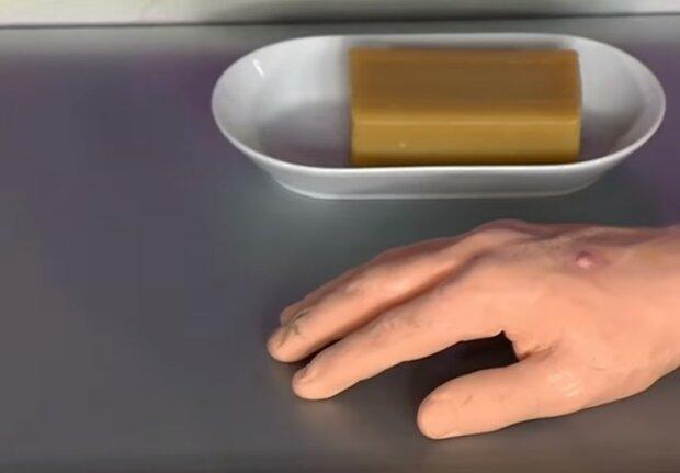 Господарське мило підійде не лише для прання: топ лайфхаків для дому