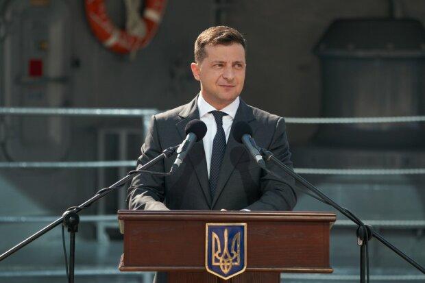"""Помолодевшего """"Зеленского"""" засекли в Черновцах, президент в ударе: """"Буду саджати розбійників і зас**нців"""""""