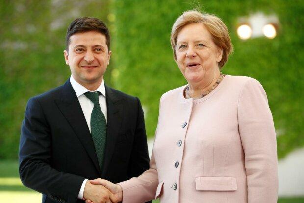 """Зеленський уп'яте поспілкувався з Меркель, подробиці: """"Наша найпотужніша зброя"""""""