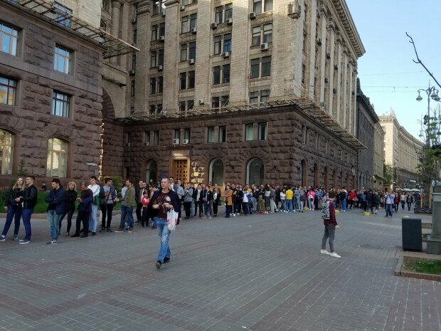 Гривня міцніє, а продукти дорожчають: українцям пояснили незвичну ситуацію, чого чекати далі