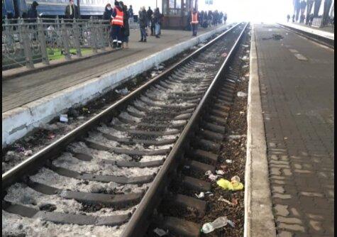"""Львівський вокзал перетворили на смердючу помийку: зганьбили """"обличчя"""" Галичини"""
