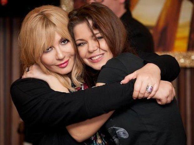 Аліна Гросу з хрещеною мамою і першим продюсером Іриною Білик