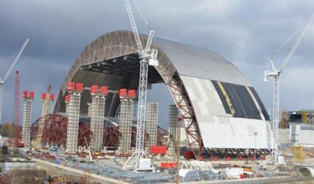 Строительство саркофага над ЧАЭС сняли беспилотником (видео)
