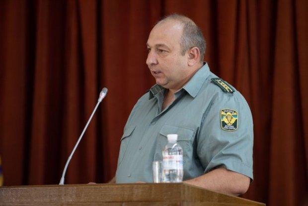 Зеленський у Харківському лісі намагався спіймати хитрого Сиса: фото та відео