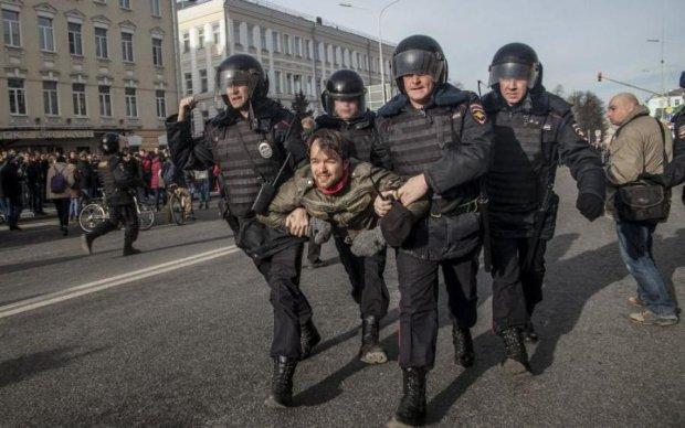 """""""Кат"""" Майдану сплив на мітингах в Москві"""