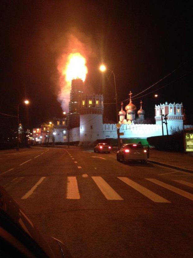У Москві горить Новодівичий монастир