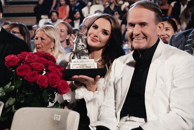 Оксана Марченко разом з чоловіком Віктором Медведчуком