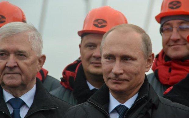 Улюблений олігарх Путіна проспівав оду Керченському мосту