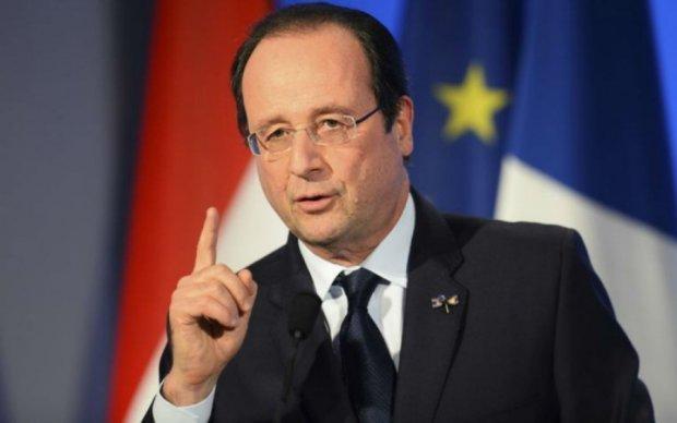 Олланд призвал французов бороться с национализмом