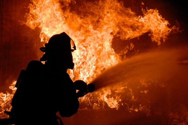 Згорів дотла: моторошна пожежа залишила киян на вулиці