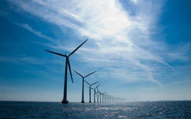 З'явився перший в світі плавучий вітрогенератор: відео