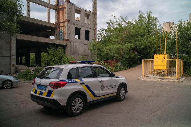 """На Одещині неадекват відкрив вогонь по перехожих: """"гаряча точка"""" просто на балконі, містяни в ауті"""