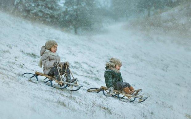 В Украине снегопад: восторженные жители делятся кадрами