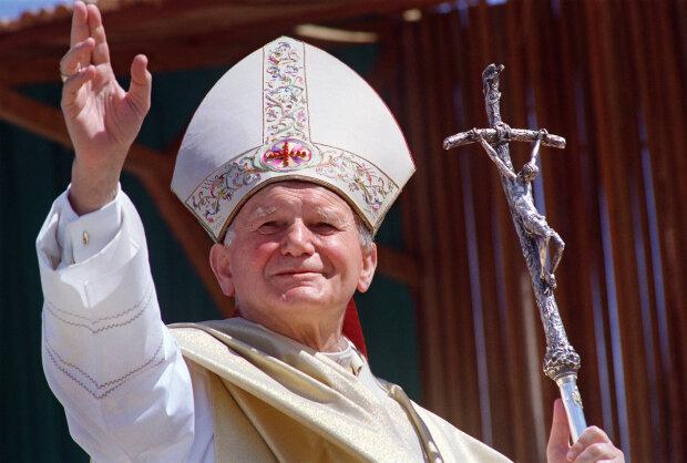 Папа Римский переезжает в Запорожье: фотофакт